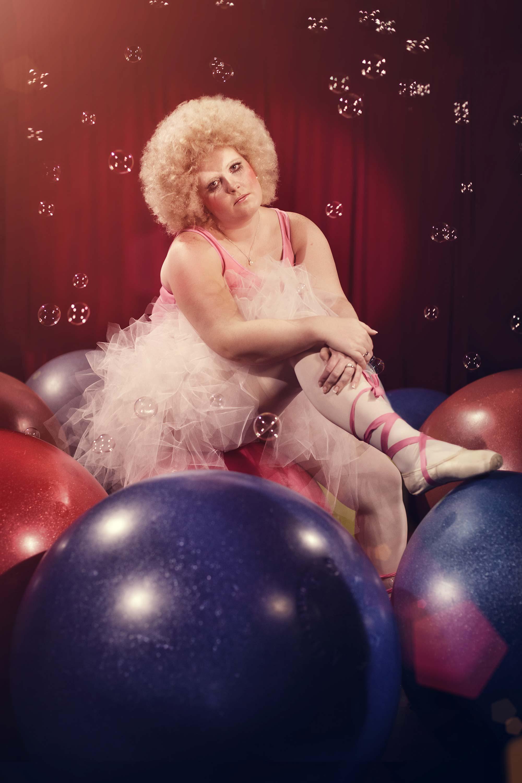 Portrait einer Ballerina aus dem zirkusshooting vom Fotografen Fritz Phillipp aus Frankfurt im Rhein-Main-Gebiet