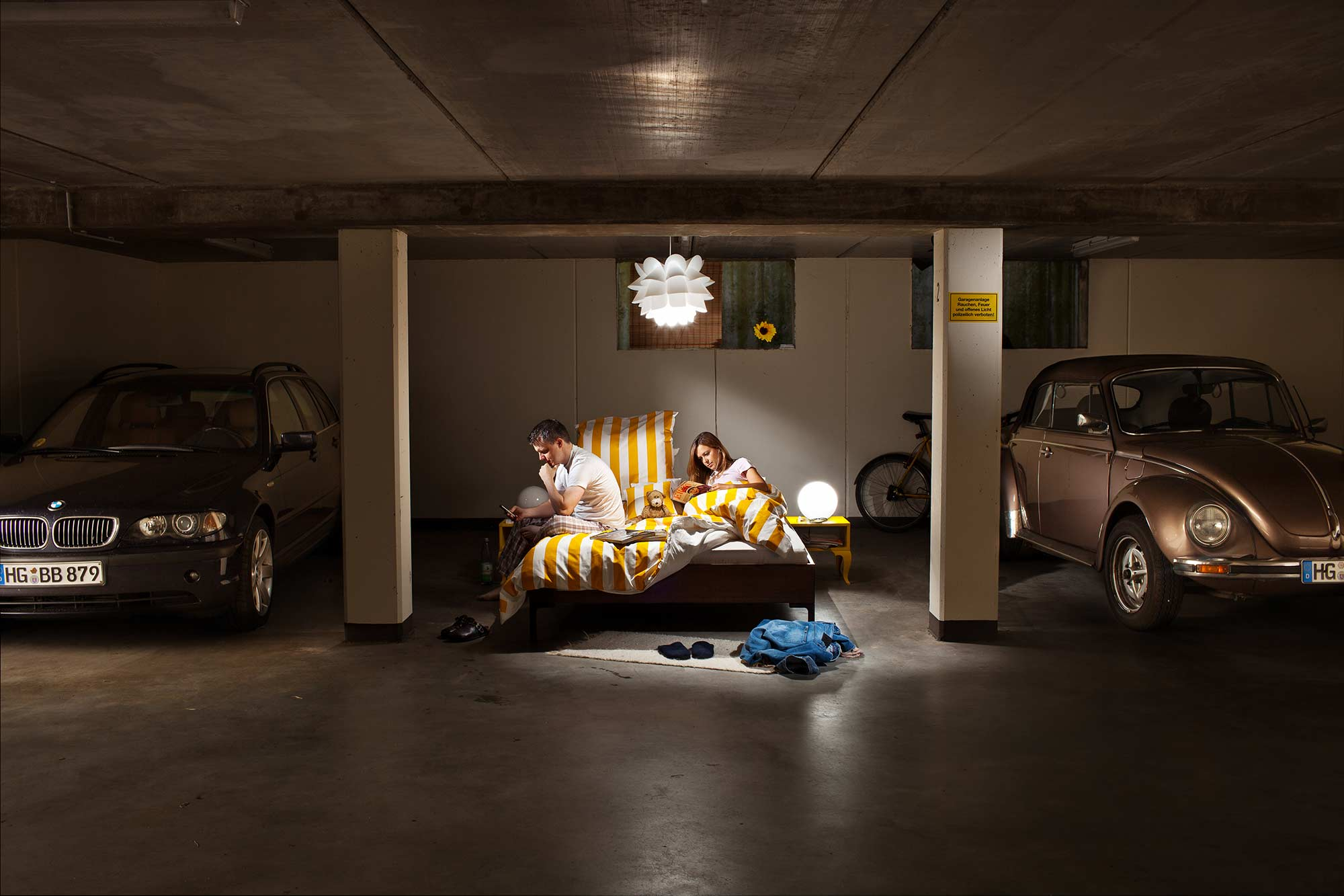 Fritz Philipp Fotograf Frankfurt Sleeping In The Garage 2000
